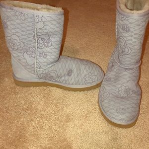 Shoes - Light purple Uggs size 9!